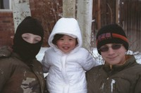 306_kids_in_snow